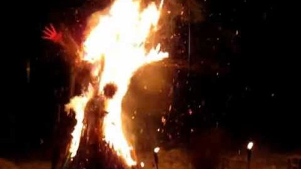 Women undergoes crucial burn at Vishwanatha temple in K'taka
