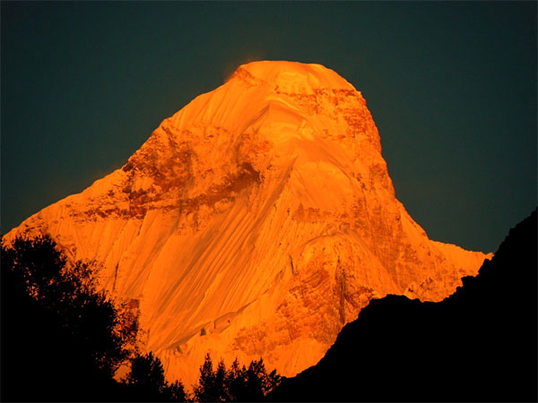 Foreign climbers go missing on way to Nanda Devi peak, search ops begin