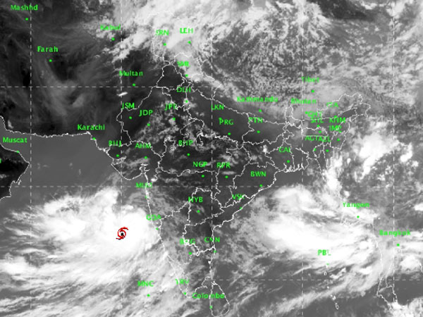Cyclone Vayu Live: Gujarat braces for storm, NDRF on high alert