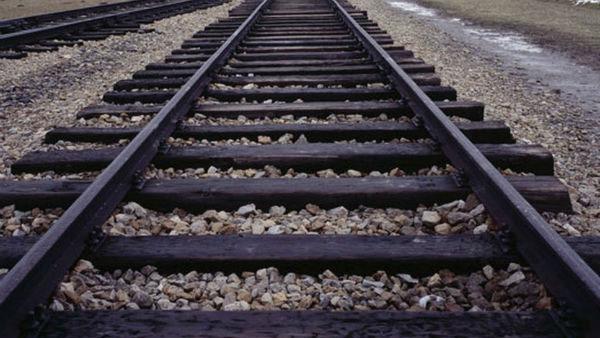 Train derails in B'desh : 4 killed & 65 injured