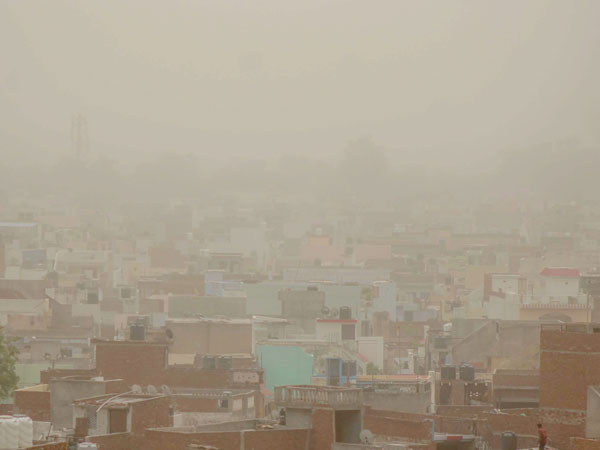 Dust storm & lightning claims 13 lives in UP