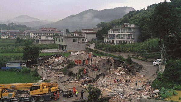 String of tremor strikes China, claims 12 lives & 100 injured