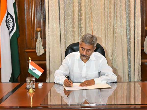 Jaishankar follows Sushma Swarajs footsteps, helps Indians in trouble abroad
