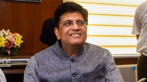 In talks with banks to provide foreign currency loans to exporters: Goyal
