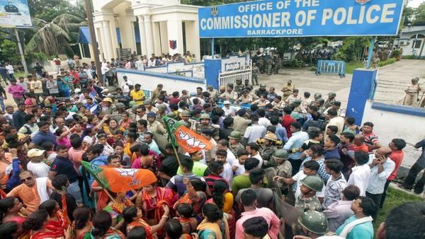 Fresh clashes erupt in Bengal as BJP leaders visit Bhatpara