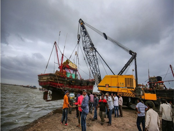 Cyclone Vayu: 3 lakh people evacuated, 70 trains cancelled, flight operations suspended