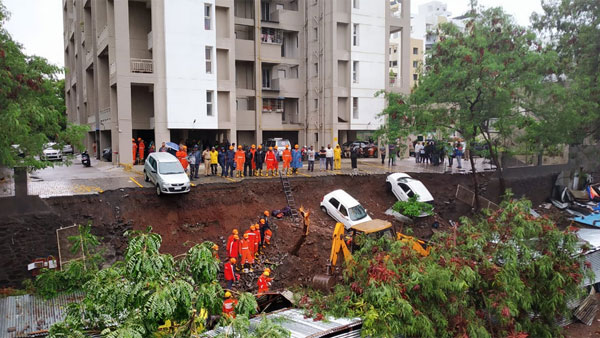 15 dead after wall collapses in Pune