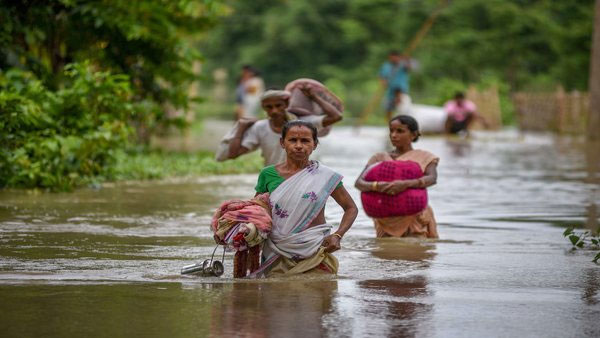 Officials launch online flood reporting system in Assam