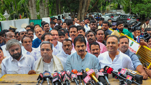 Congress tends to suffer the most from Karnataka crisis: Dr. Shastri