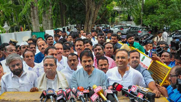 Karnataka: Congress initiates backchannel negotiations to persuade disgruntled MLAs