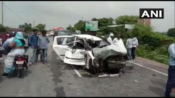 Unnao woman victim who accused BJP MLA of rape hit by truck; lawyer, key witness dead