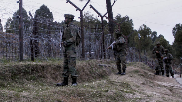 Pak fires mortar shells on forward posts in Poonch and LoC