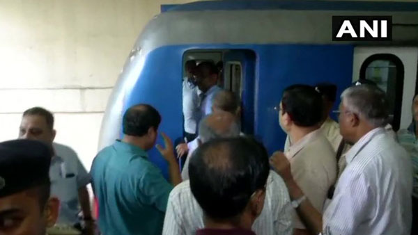 Safety Commissioner Railways inspected the metro train where man died in Park street