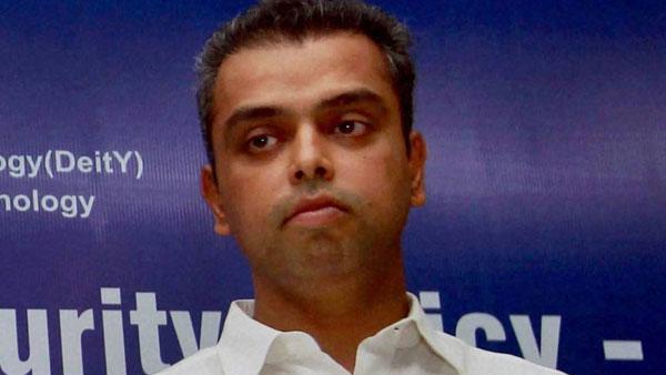 Milind Deora resigns as Mumbai Congress president