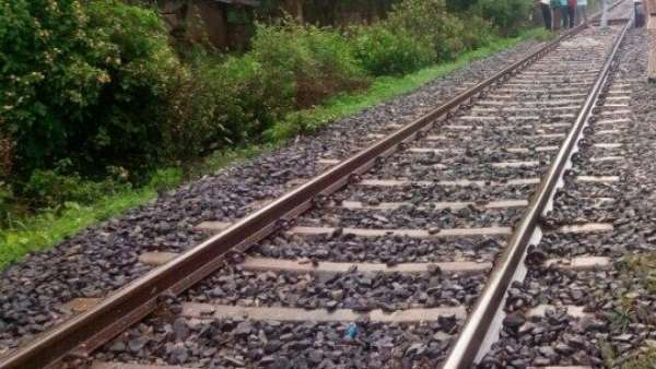 Mumbai-Gorakhpur Antodaya Express derails near Nashik, no injuries reported