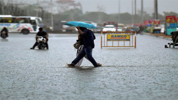 Monsoon rains: Ahead of Ganesh Chaturthi, IMD predicts heavy rains in Mumbai, Pune