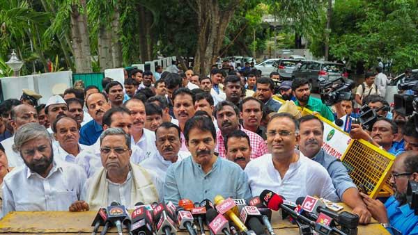 Cong to seek disqualification of rebel MLAs who have resigned: Siddaramaiah
