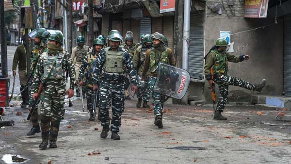 Centre rushes 25,000 additional forces to Valley, as speculations regarding Article 35A grow