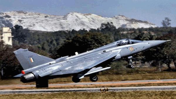 Text book landing say officials on naval LCA Tejas DRDO testing