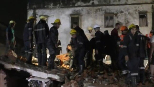 Gujarat rains: 4 dead & 5 injured after a building collapses