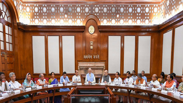 Will Cabinet meeting chaired by Modi decide on snapping Article 35A in J&K?