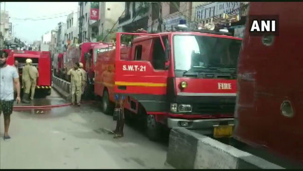 Delhi: Massive fire breaks out at Gandhi Nagar market; 22 fire tenders rushed to the spot