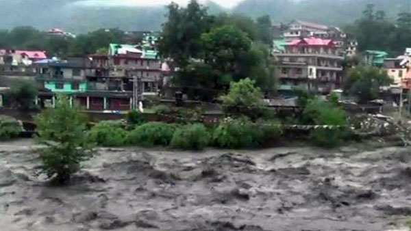 Himachal Pradesh, Army called to rescue people stranded in flash flood in Kangra