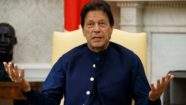 <strong>Exasperated Imran Khan plays communal card, calls Modi govt