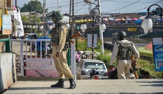 Kashmir continues to remain tense (Click on the image to read more)
