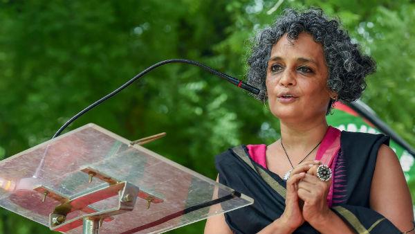 What did Arundhati Roy say on Kashmir that irked Twitterati?
