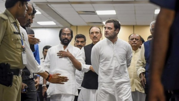 It's clear situation in J&K isn't normal, says Rahul Gandhi; Alleges press personnel mishandled