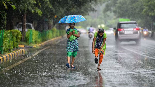 IMD forecasts heavy showers for Delhi-NCR, Kolkata in next 24 hours