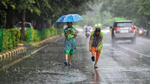 IMD forecasts heavy showers for Delhi-NCR, Kolkata in next 24 hours