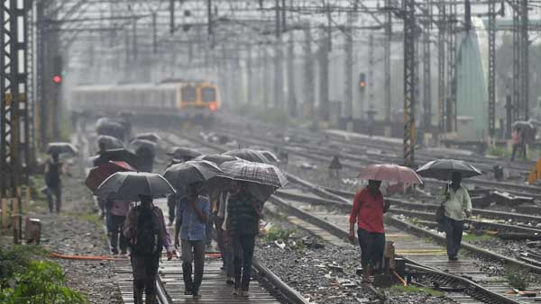 Mumbai rains: Road, rail traffic disrupted; high tide of 4.83 metres expected at 2:23 PM