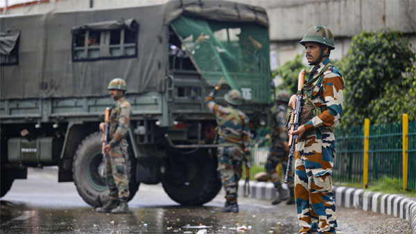 Centre to move 8,000 additional troops to J&K