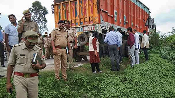 CBI officials inspect the site of accident in Raebareli