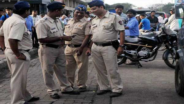 5 cops suspended in Ghaziabad for extorting Rs 2000 from students