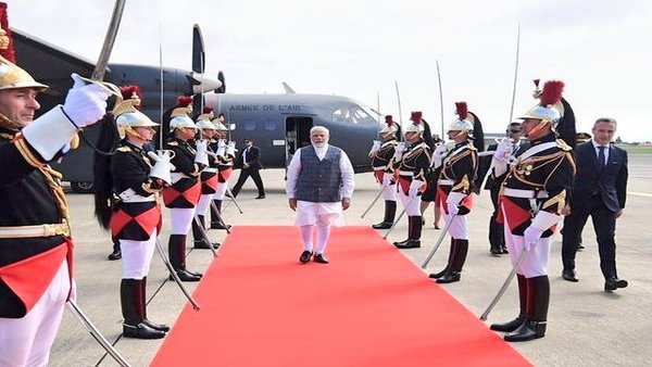 <strong> Modi at G-7 summit: PM highlights India's contribution to rein in climate change</strong>