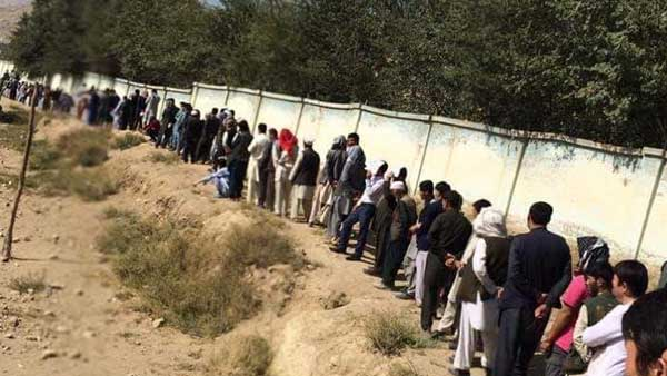 To facilitate polling, Pak opens major border crossings for Afghans