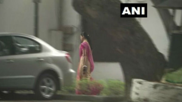 Disgruntled AAP MLA Alka Lamba meeting with Sonia Gandhi sparks speculation
