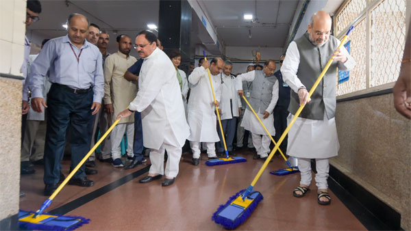 BJP top brass sweeps the floor at AIIMS and launches 'Seva saptah'