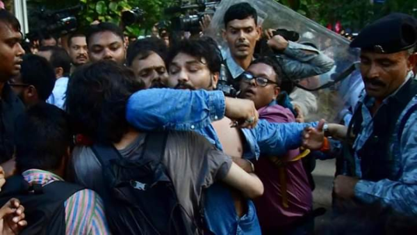 Babul Supriyo Go Back: Union Minister heckled, barred from entering Jadavpur University