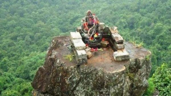 #GaneshChaturthi: 10th century Ganesh idol of Nagvanshi dynasty