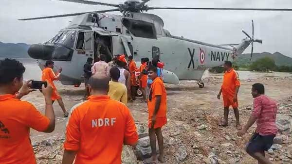 Intensive search on with choppers, over 100 rescuers