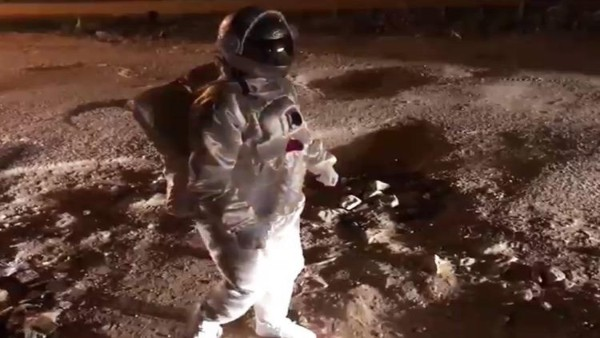 Bengaluru man in astronaut suit walks on city pothholes, viral video