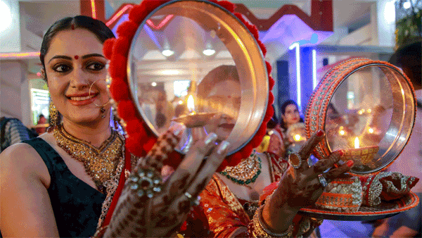Karwa Chauth 2019: Date, Significance and rituals