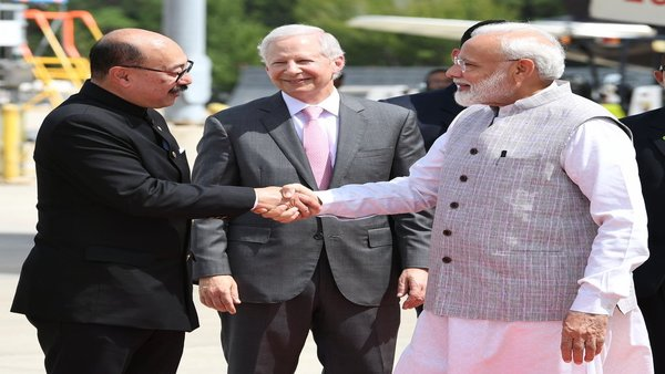 PM Modi received by Indian Ambassador to the US Harsh Vardhan Shringla