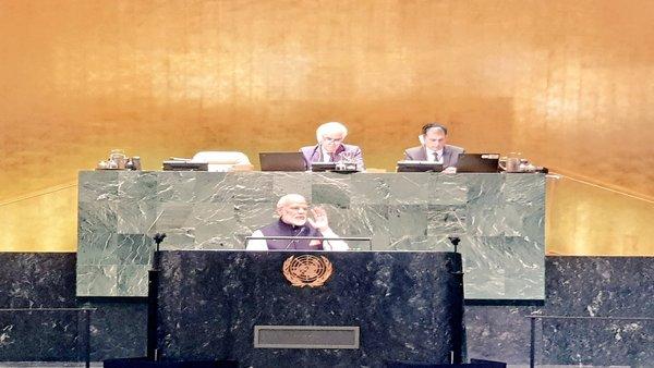 World must unite against terror, says Modi at UNGA; Makes no mention of Pak