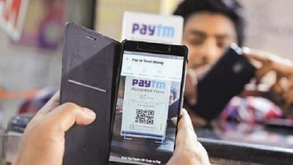 Why #paytmChorHai is trending on Twitter?