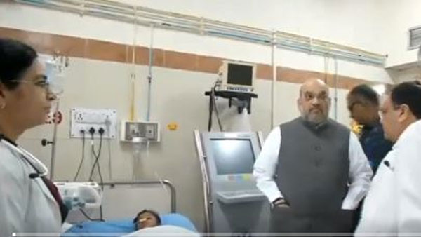 Amit Shah interacting with doctors at AIIMS